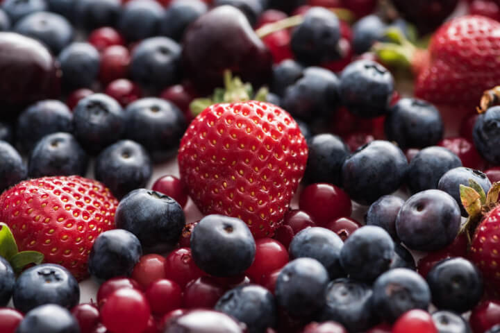Fruit Business Names: the photo include strawberry and pulm fruit