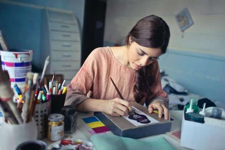 girls working: creative painting company names